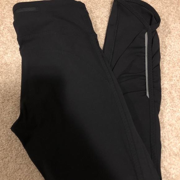Lululemon Crop Leggings - size 8- EUC